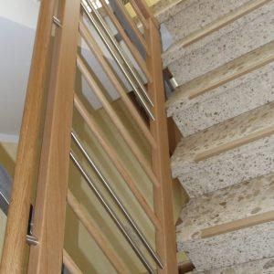 neues Treppengeländer an Marmortreppe